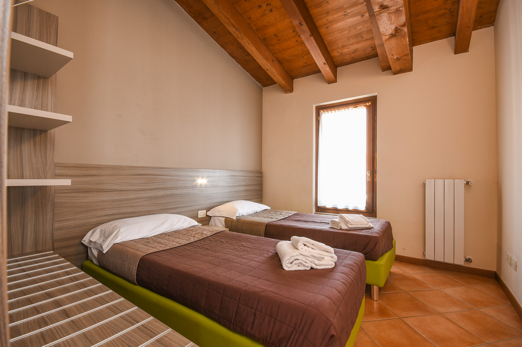 lake garda apartment with ?????????